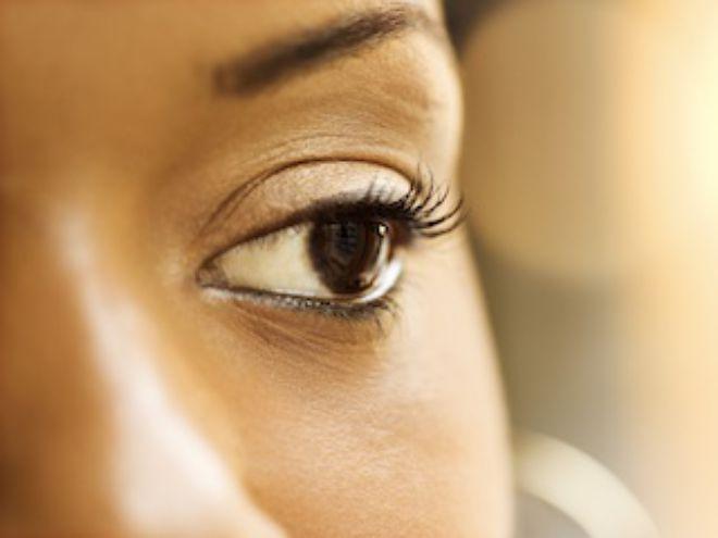 how to keep eyelashes curled with mascara