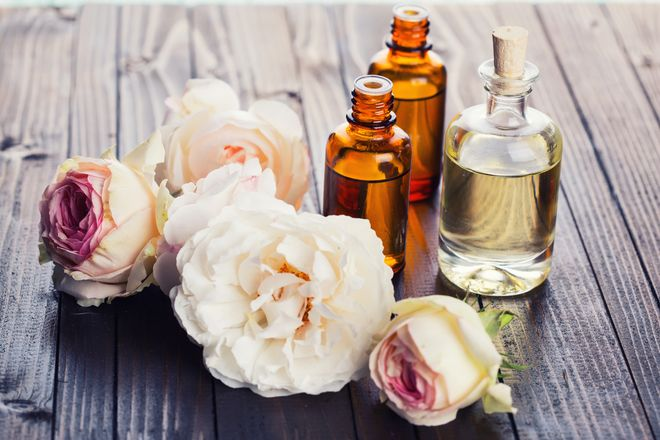 41103 how%20to%20layer%20fragrances.jpg.660x0 q80 crop scale upscale