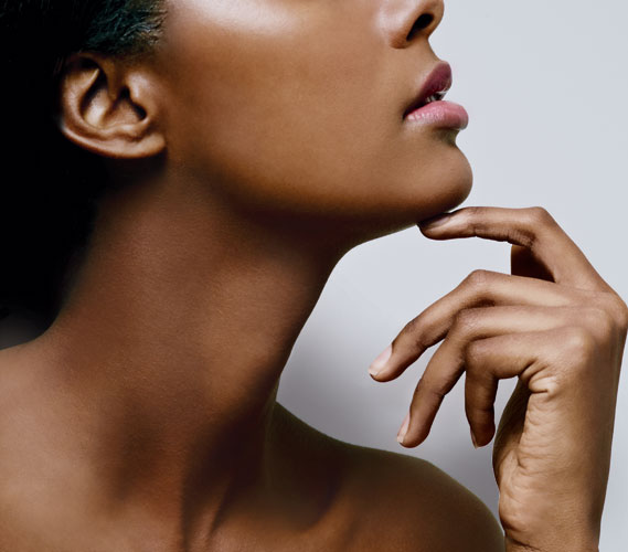 6 Ways to Maintain a Youthful Neck